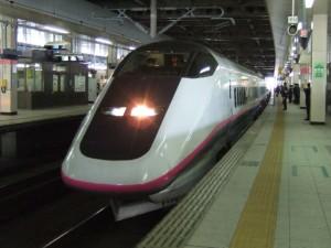 秋田新幹線こまち号E3系R編成