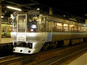 札幌駅での特急すずらん
